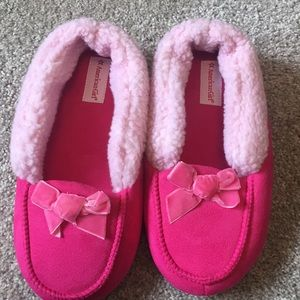 American Girl slippers size 3 1/2 -5